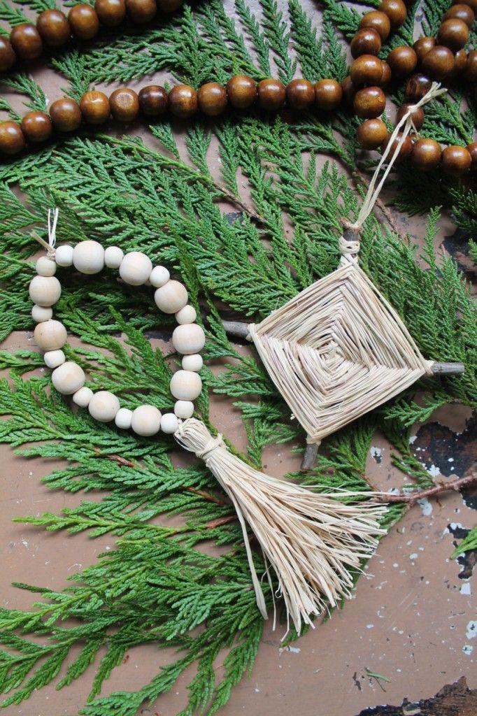 Raffia Ornaments Family Chic tutorial