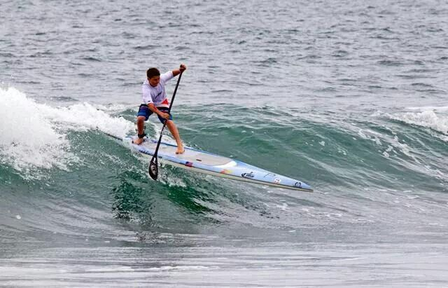 SUP surfing on a race board... skills!