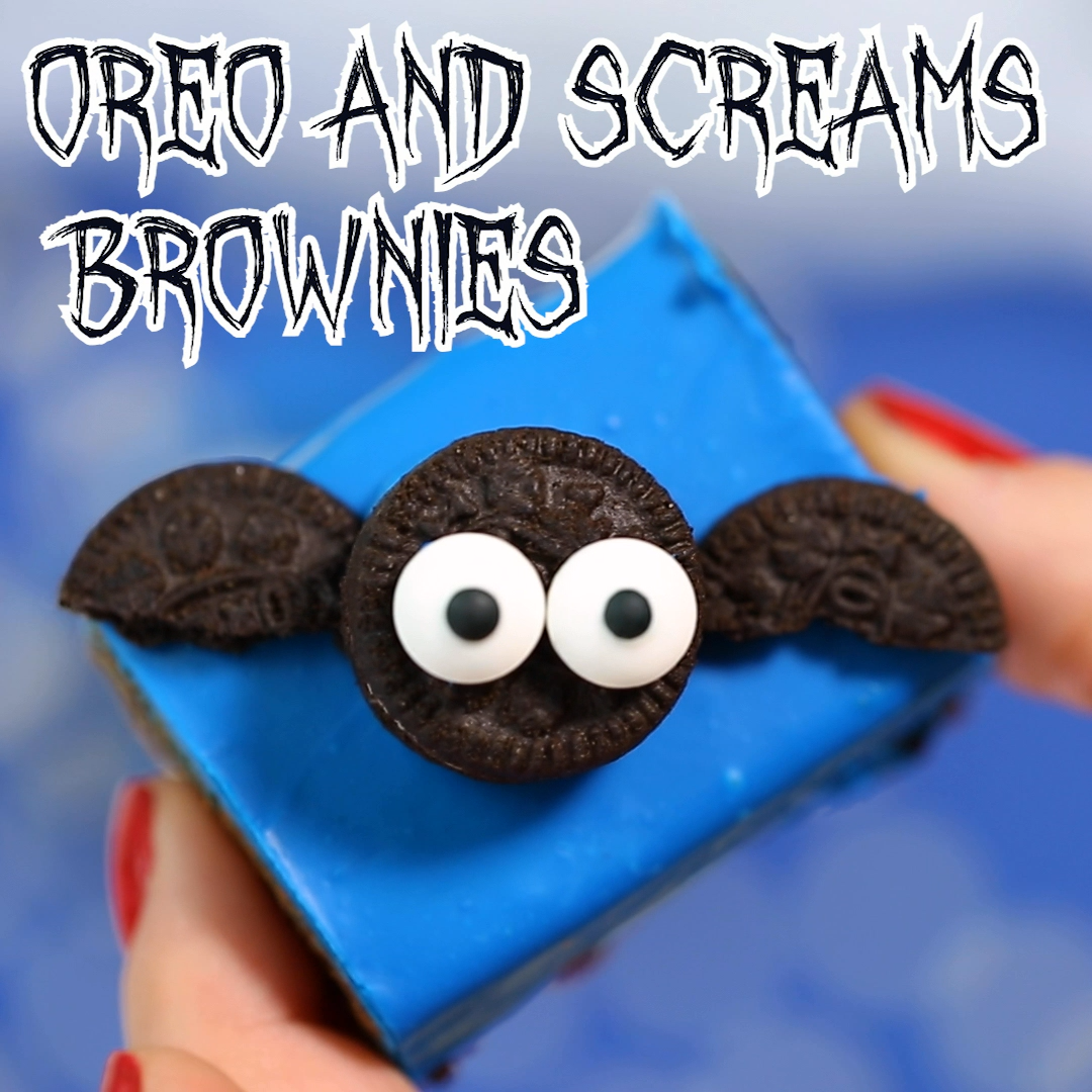 Halloween Oreo cheesecake brownies - cookies and screams | Browniegod #halloweenbrownies
