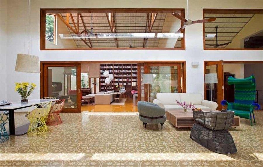 Imposing library house in india evoking bangalore 39 s for Arredare casa vastu