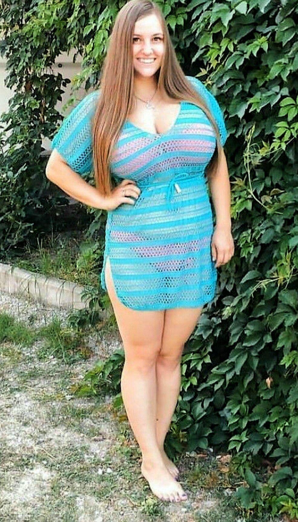 Mollige Frauen Mit Großen Brüsten