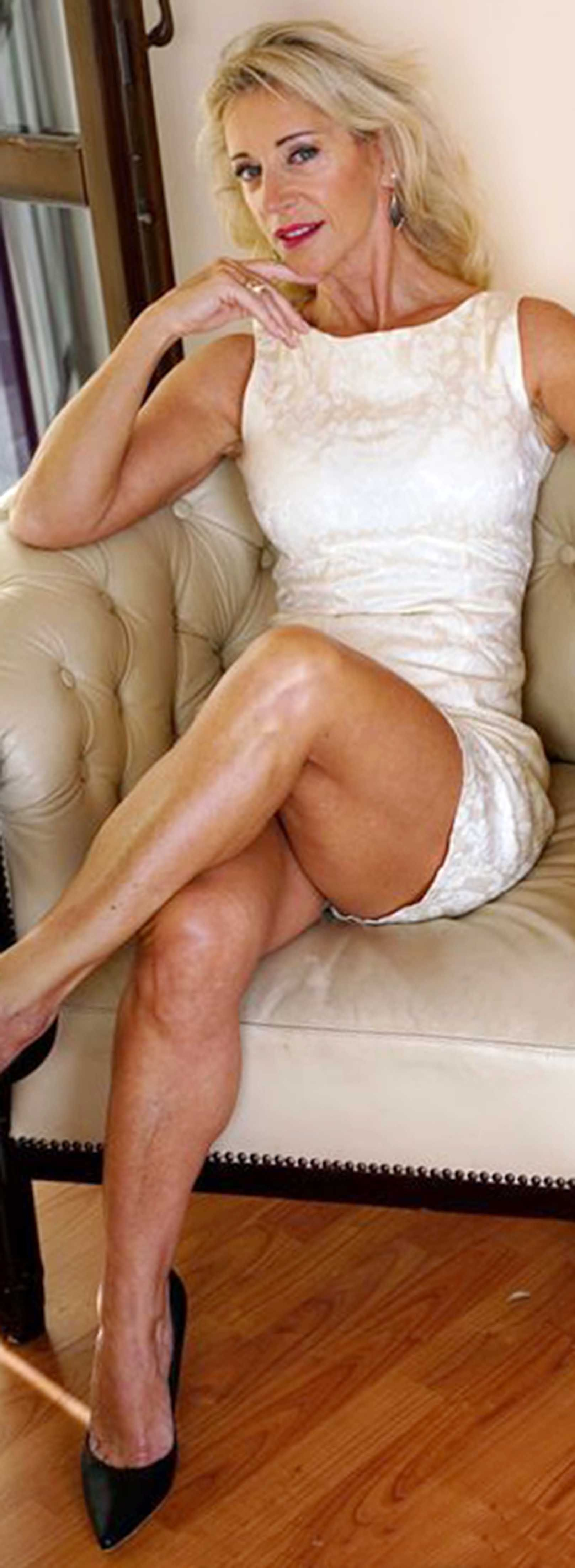 Mature Women With Great Legs