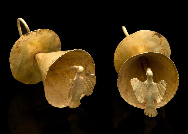 Kolumbiasta löydetyissä korvakoruissa on korkea kultapitoisuus . Korut ovat n.800 - 1500 -luvulta