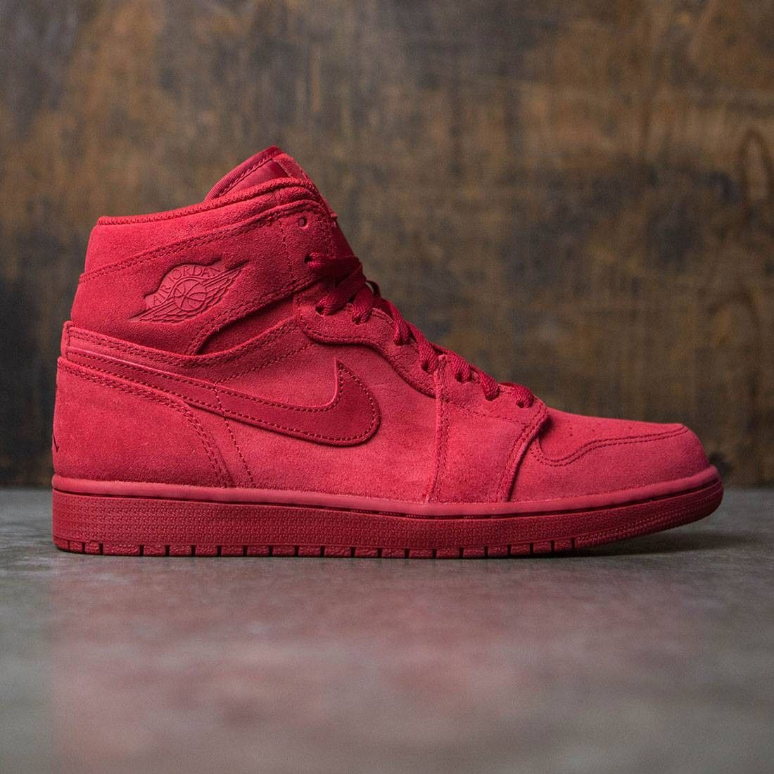 Jordan Men Air Jordan 1 Retro High (red / gym red) | Air jordans ...