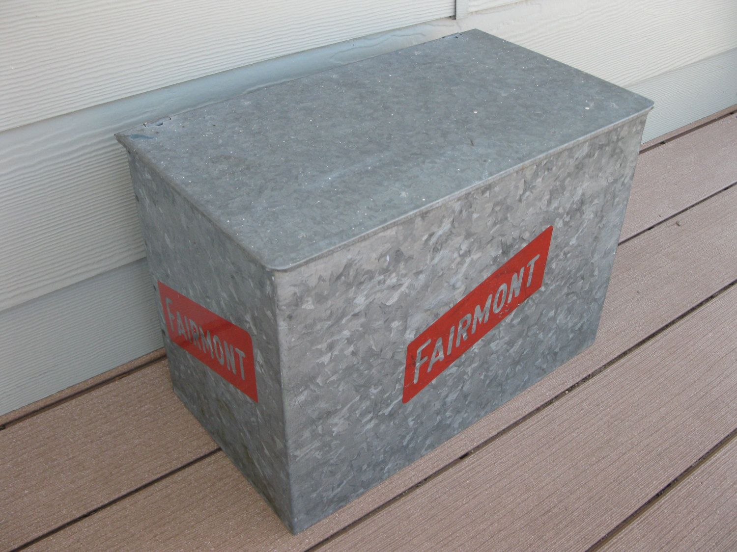 Vintage Milk Box Galvanized Metal Fairmont Foods Porch Box Insulated Home Delivery Advertising Milk Delivery Lidded Metal Box 50s Galvanized Metal Milk Box Metal Box