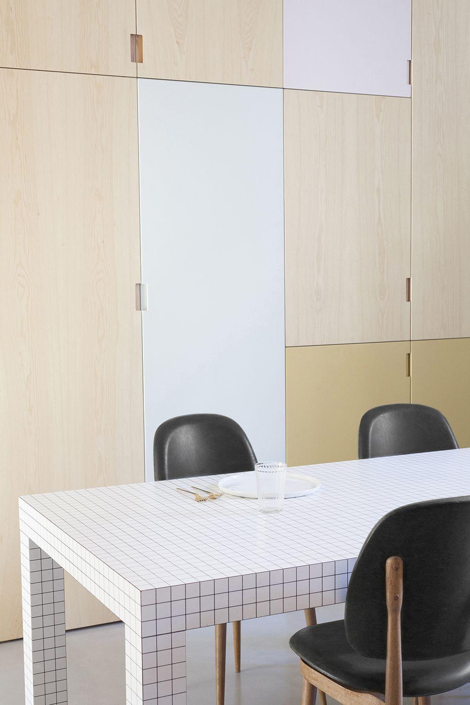 Renovation Appartement Paris Heju Studio Couleurs D Armoire De Cuisine Renovation Appartement Deco Appartement