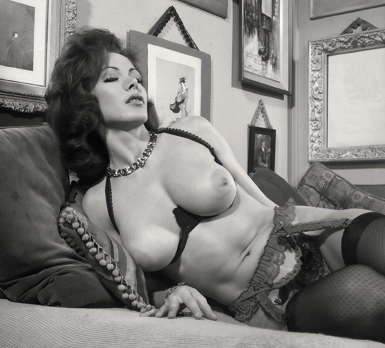 patricia barrington | cultqueens: pat barrington. - retro nude