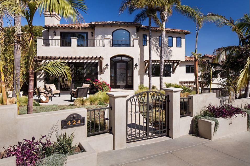 26 Majestic Modern Mediterranean House Design Bahay Ofw Modern Mediterranean Homes Mediterranean Homes Exterior Mediterranean Homes
