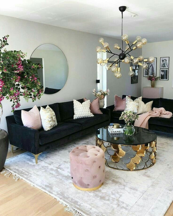 Cozy Romantic Living Room: Pin By Alie Anthony On House