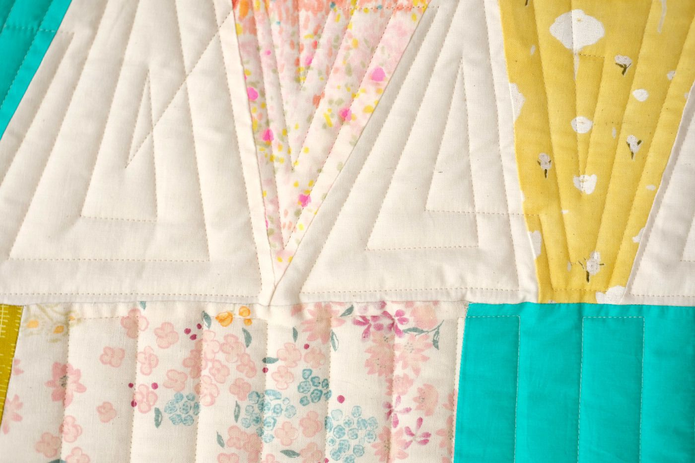 3ead000c8b481c58c4a3078574e6062b - Better Homes And Gardens Solid Border Quilt