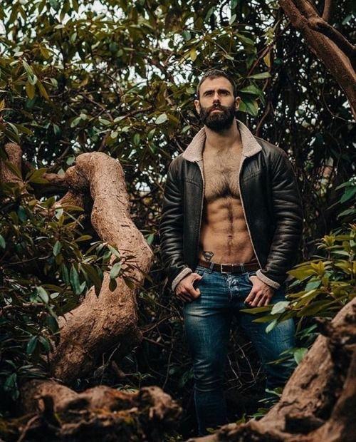 pakozoic #leatherandbeards      #leather #beard #menswear