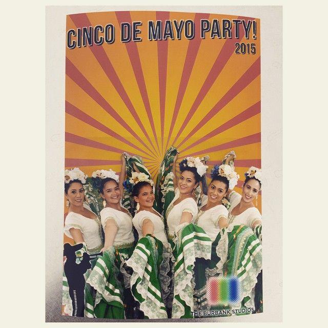 Happy Cinco de Mayo from our performance at Buena Parks Studios Cinco de Mayo luncheon! @_nessaandrea @mndoll @xoxo_lala36 @rvmaxo @ariel_salas @mariv16 @jessicahope55 #balletdesallysavedra #balletfolklorico #classicalspanish #dancecompany #cincodemayo