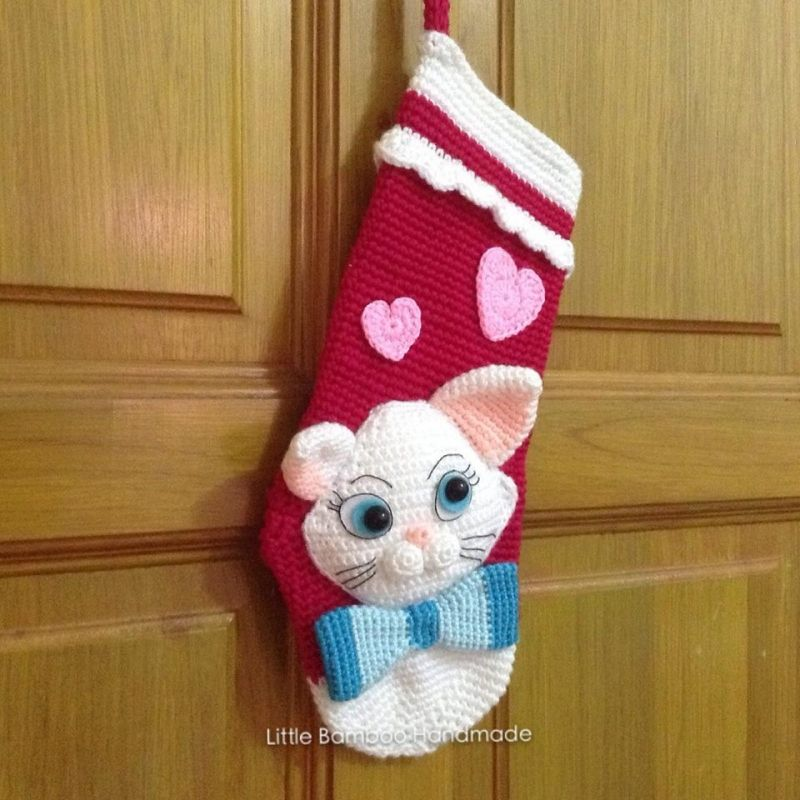 My Lovely Cat Christmas Stocking crochet pattern by Little Bamboo