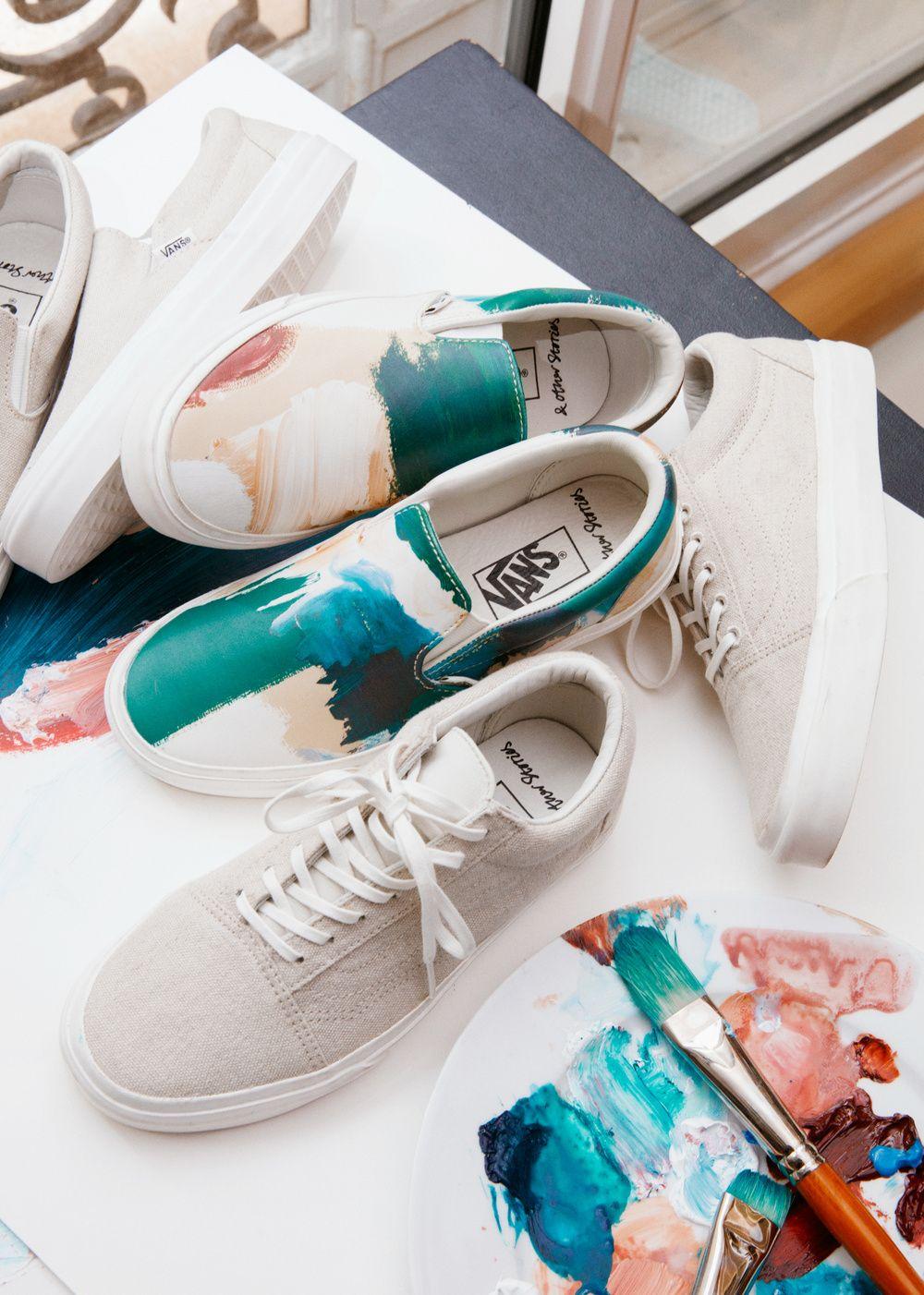 Après une collaboration réussie l'an dernier, & Other Stories et Vans reviennent sur le devant de la scène avec une nouvelle collection capsule de sneakers.