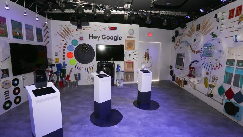 Exhibition Booth Assistant : Let s tour google s booth at ces forms displays music