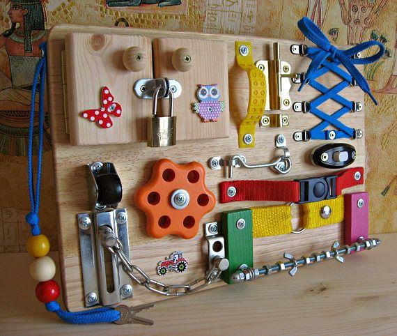 Personalisierte beschäftigte Board kleine Boot, Spielzeug für Kleinkind, sensorische Kinder Spiel, Aktivität Spielzeug, Spielzeug mit Riegeln, Holzspielzeug, Kleinkind ruhiges Spiel