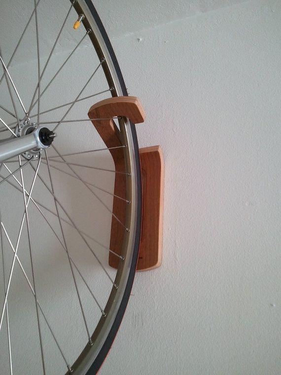Crochet Support Velo Mural Par Woodoocycles Sur Etsy Soportes Para Bicicletas Bicicletas Almacenamiento De Bicicletas