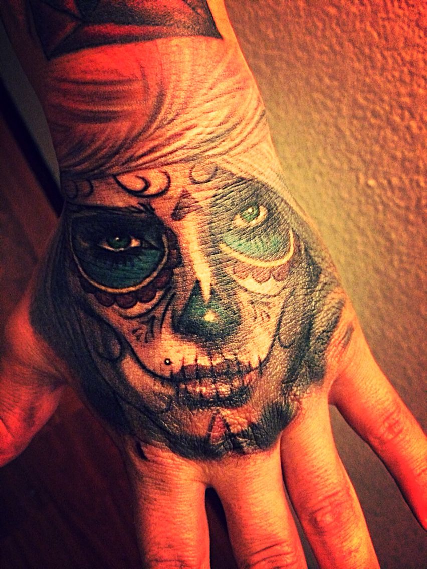Day Of The Dead Hand Tattoo Hand Tattoos Tattoos Dead Hand