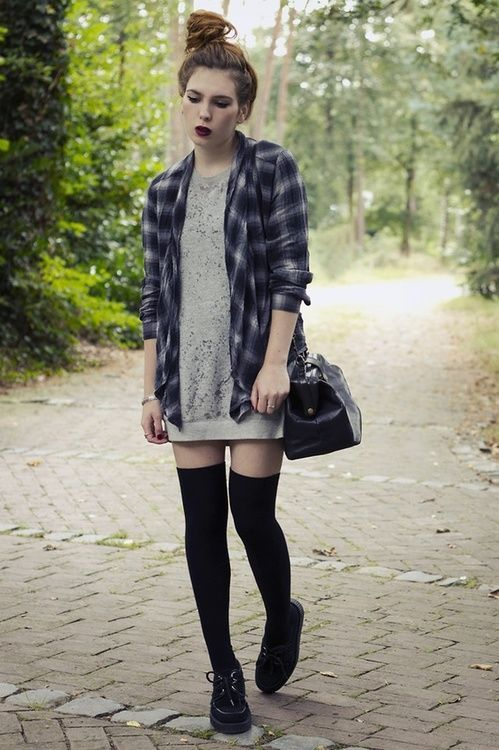 0252391198 Grunge Outfit