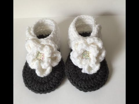 70fe2cb43cbe 0-3 Month Flower Sandals