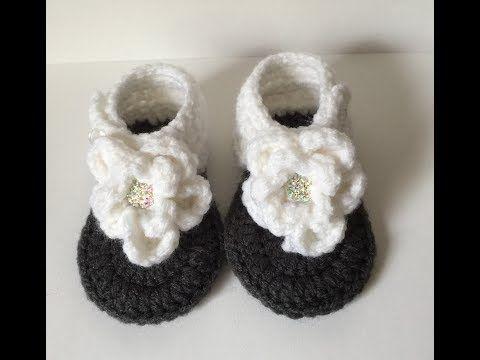 feb6e883288a 0-3 Month Flower Sandals