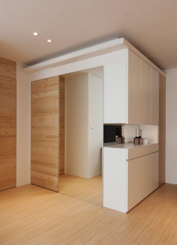 Modern Apartment Design Maximizes Space Minimizes Distraction Arredamento D Interni Arredamento Interni