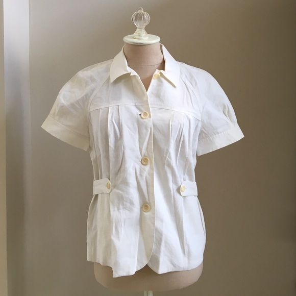 SALE Theory belted b short sleeve linen top Theory belted white dress shirt / Oxford, 62% linen, 36% viscose, 2% spandex. One tiny mark on front, but great condition! NEW PHOTOS ADDED! Theory Tops Button Down Shirts