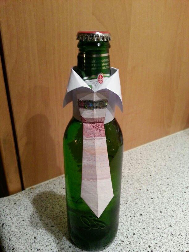 Geldgeschenk Fur Den Mann Geldkrawatte An Flasche Leuke Manier