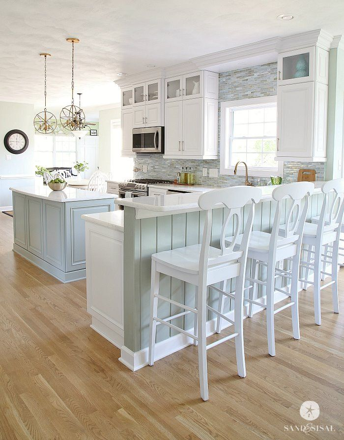 I M In Love With This Gorgeous Kitchen The Upper Cabinets Backsplash Carried To Ceiling Color Of Island And Those Light Fixtures