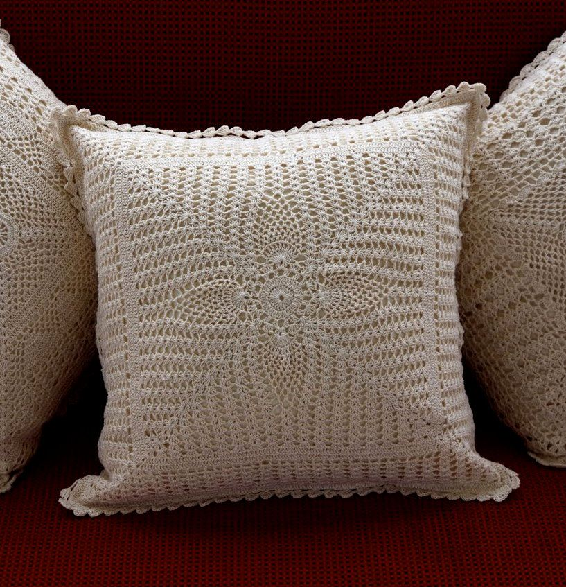 housse de coussin fait main au crochet pineeye par. Black Bedroom Furniture Sets. Home Design Ideas