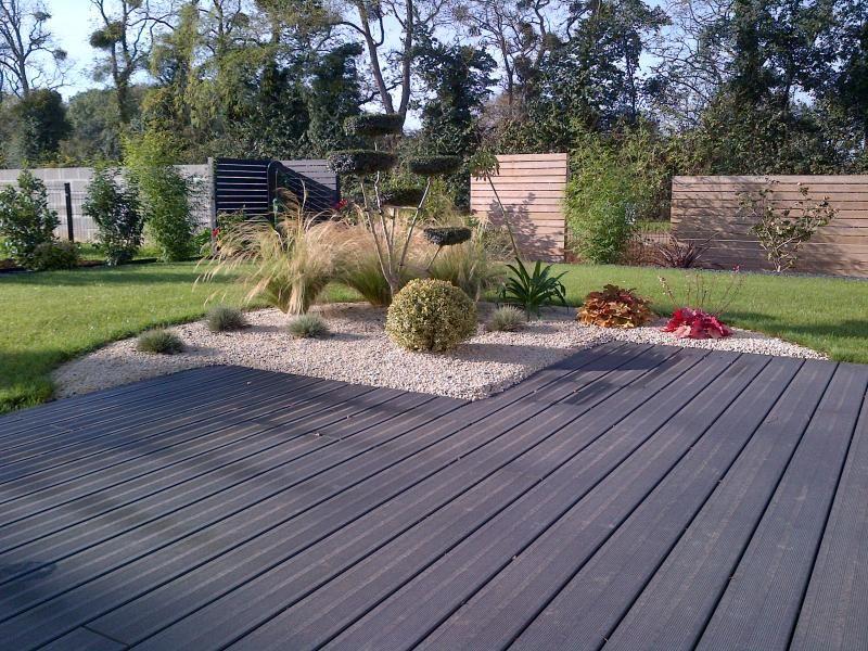 composite noir id es deco pinterest terrasses ext rieur et jardins. Black Bedroom Furniture Sets. Home Design Ideas