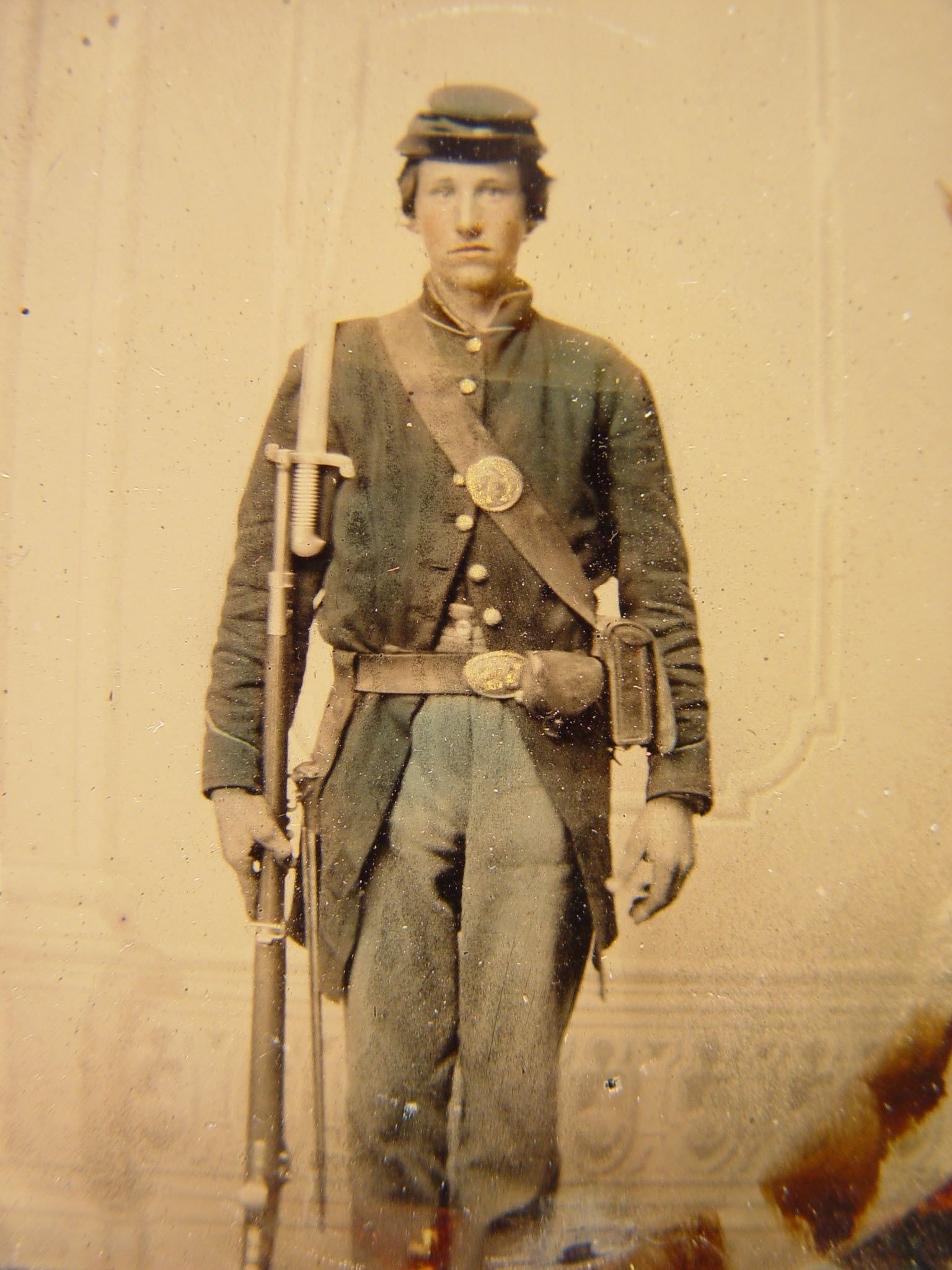 Unidentified Sol R In Union Uniform With Musket U S Model Zouave Bayonet Cartridge Box