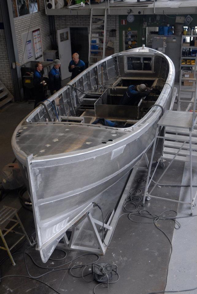 Dutch Craftsmanship fastdriving open boat aluminium yacht ...