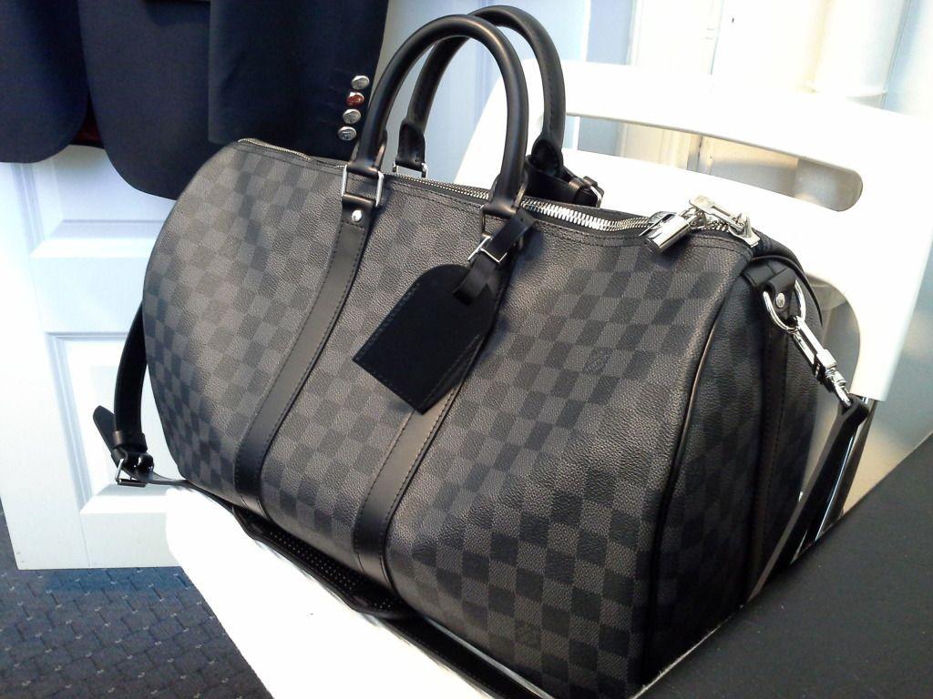 Louis Vuitton Damier Graphite Keepall 45   Style   Louis vuitton ... 9cbdc3bcf20