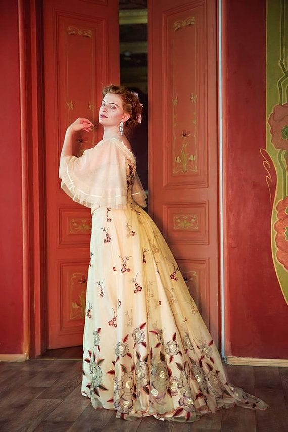 1900s Custom Dress, Gilded Age Flowery Ball Gown | Writing ...