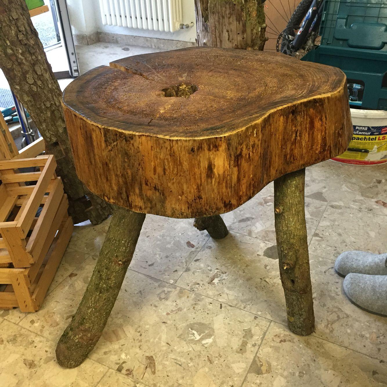 tisch aus baumstumpf baumstamm tisch holztisch with tisch aus baumstumpf maple slab end table. Black Bedroom Furniture Sets. Home Design Ideas