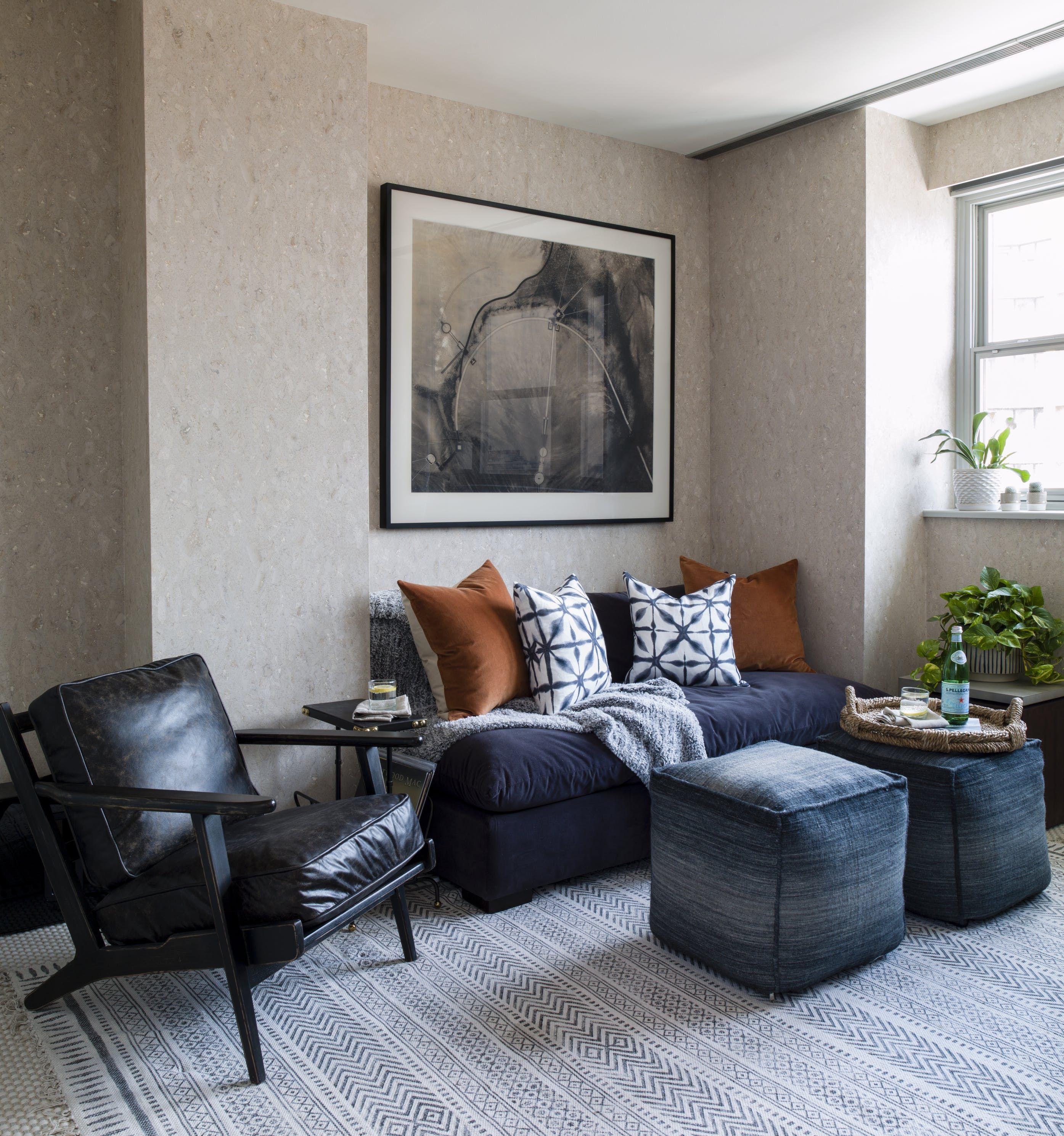 Chesapeake Residence Sitting Room With Cork Wallpaper