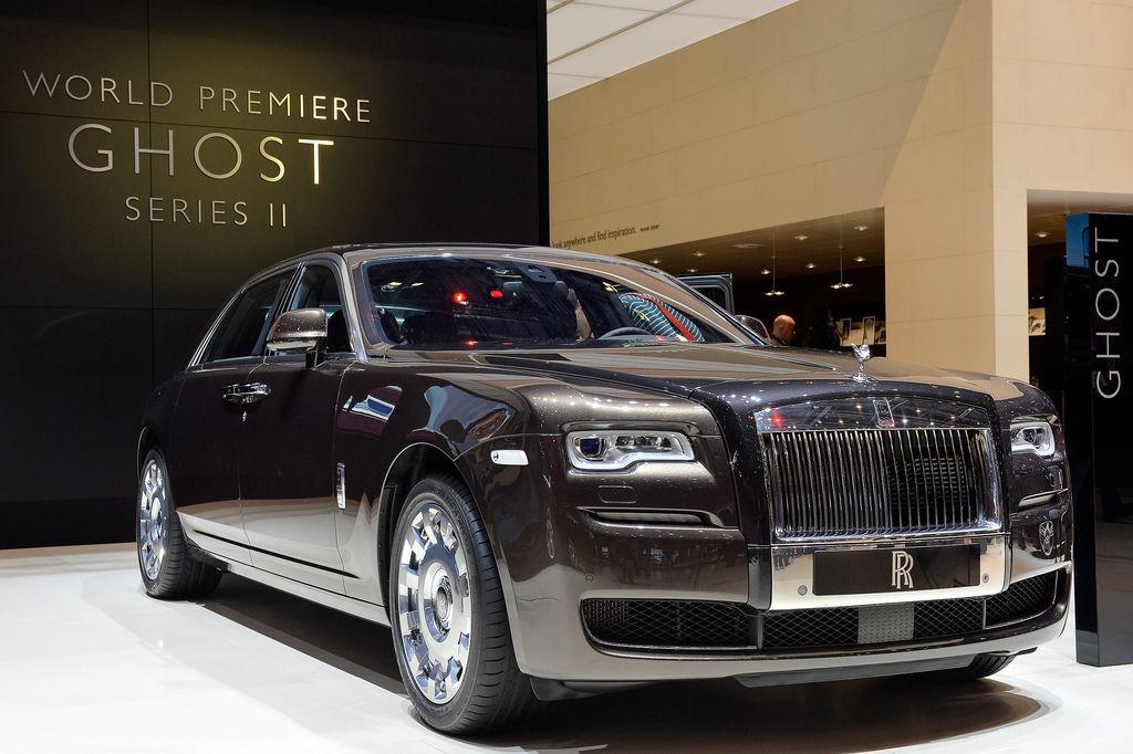 Présentation au salon de Genève 2016 de la belle  Rolls Royce Ghost Series II