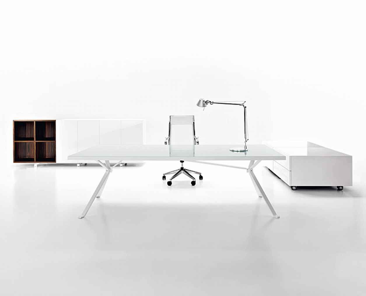Get Good Working Ambiance With These Computer Desks : Cool White Themed  Minimalist Computer Desk Design With SIlver Desk Lamp And Modern Sil.