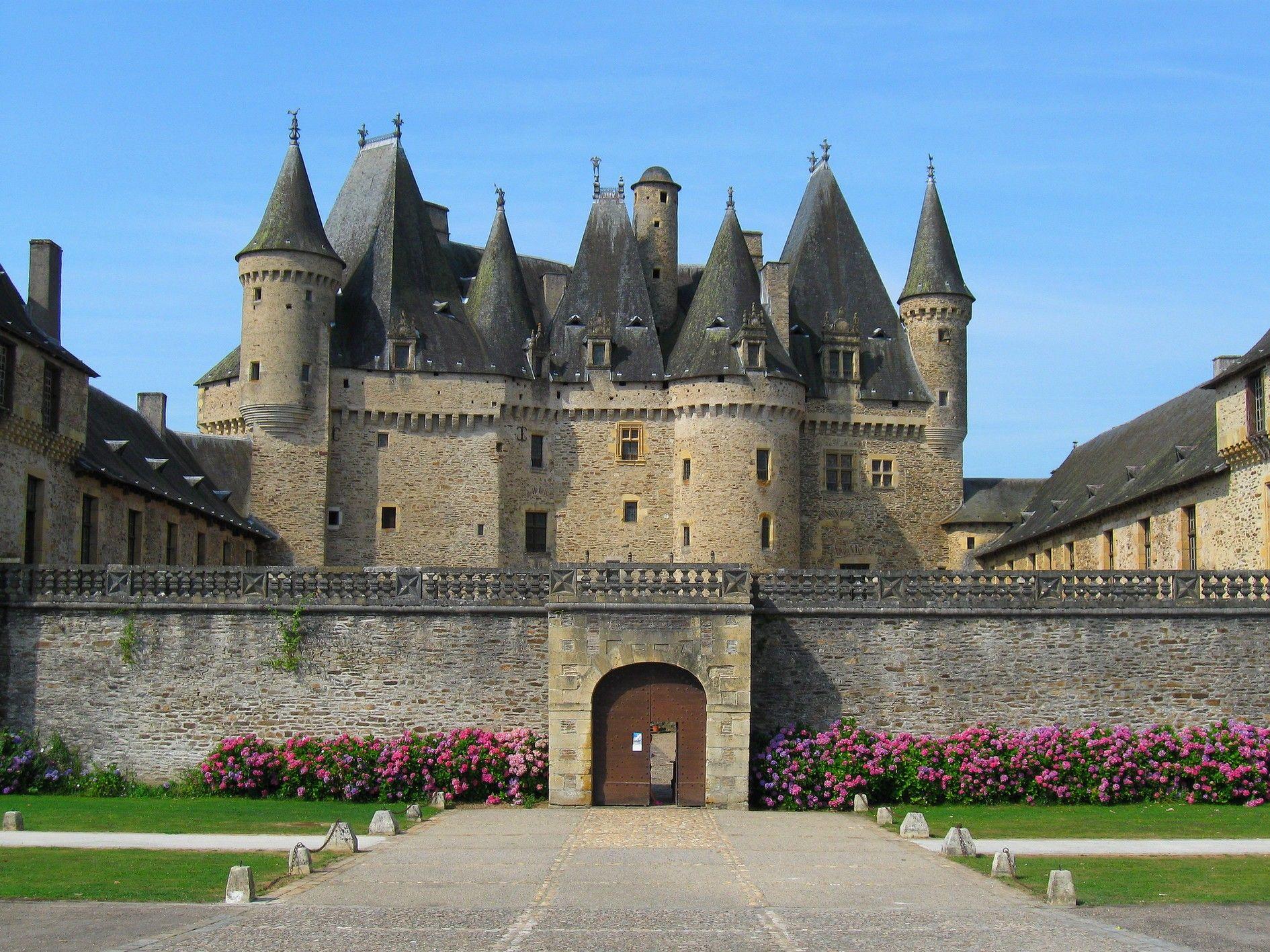 ch teau de jumilhac aix en provence castles churches and mills ch te. Black Bedroom Furniture Sets. Home Design Ideas