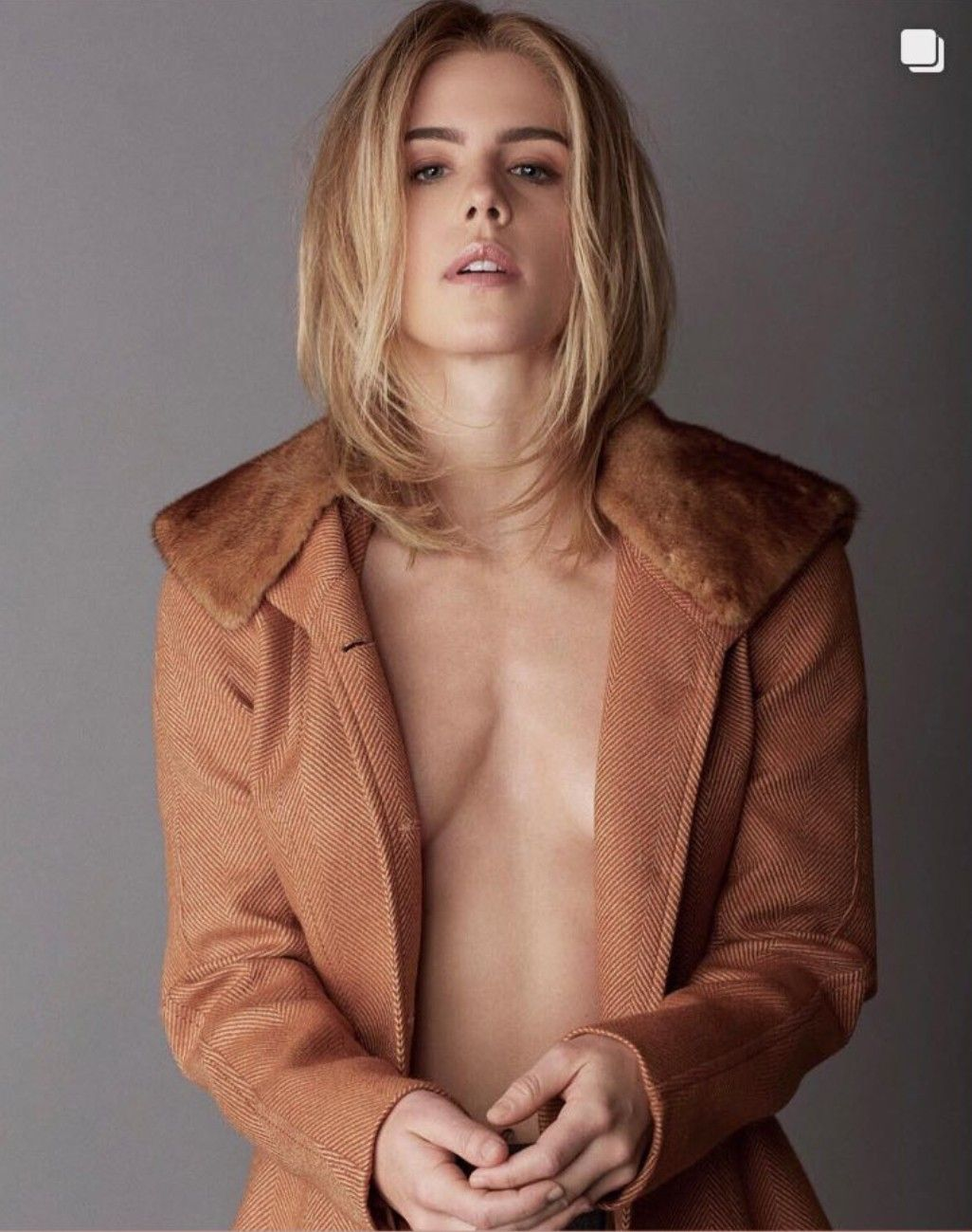 Emily Bett Rickards Nude Photos 90