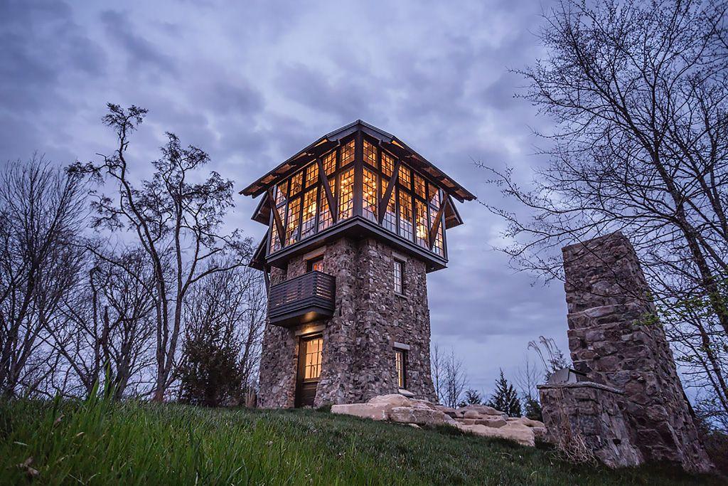 Современные дома с башней крепость фото