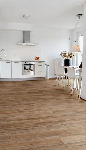 Homeplaza - Robuster Laminatboden macht auch in den - laminat für küche
