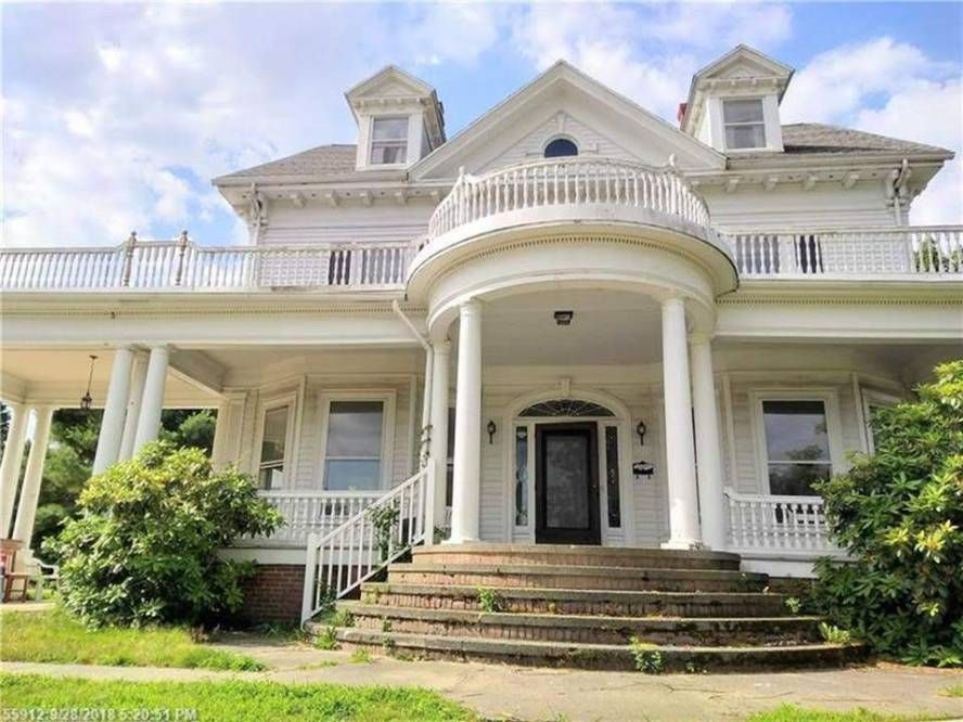 Marvelous 1900 Fixer Upper For Sale In South Portland Maine Bucket Home Interior And Landscaping Palasignezvosmurscom