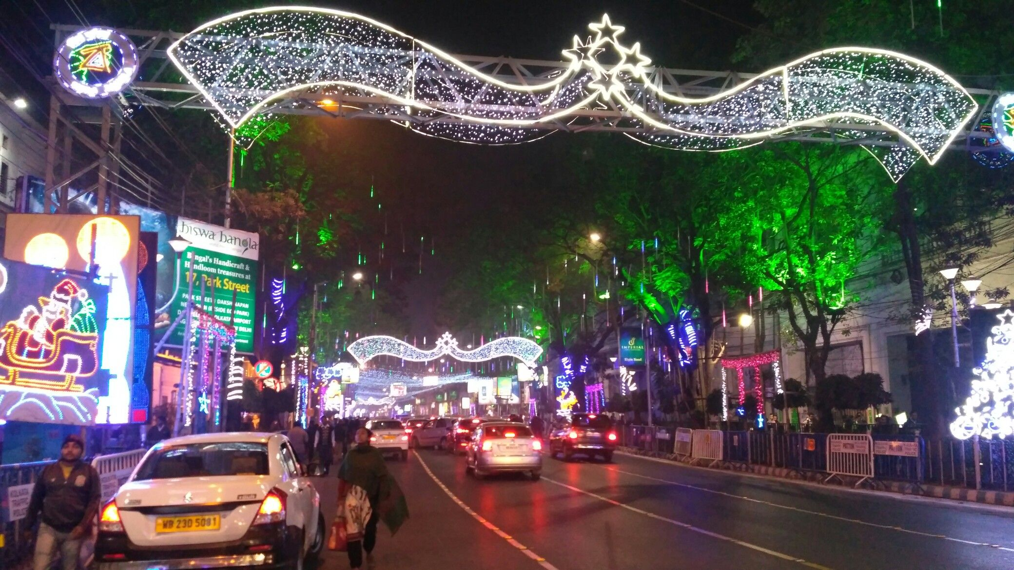 Park Street Kolkata During Christmas.Park Street Crossing Sweetest Place Of India Broadway