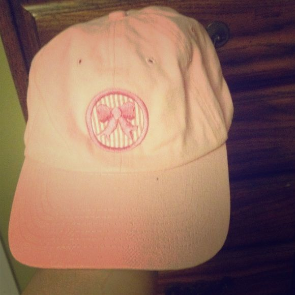 Cute Marley Lily hat! Super cute Marley Lilly hat with a seersucker bow on the front. Never worn. Accessories Hats