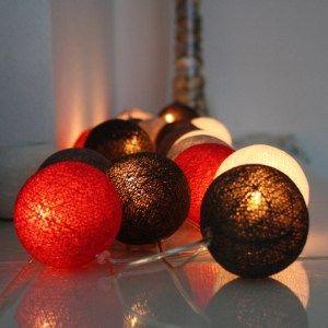 Lichterkette mit 20 Baumwollbällen in verschiedenen eleganten Farben. Set: Schneewitchen