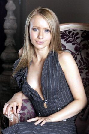 Sammy Winward Nude Photos 8