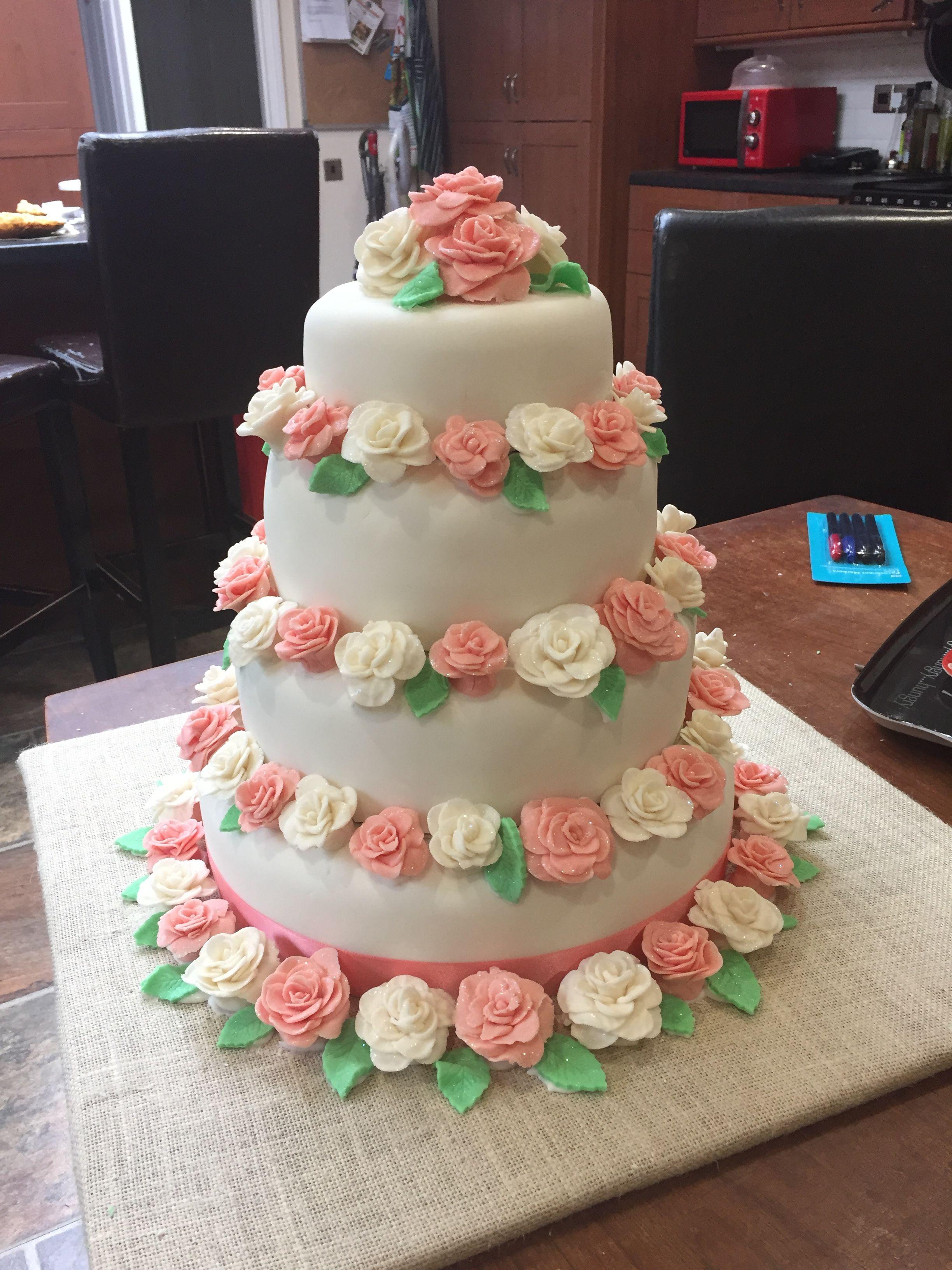 #wedding #weddingcake #coral #mrmrsbryant090916 #cake