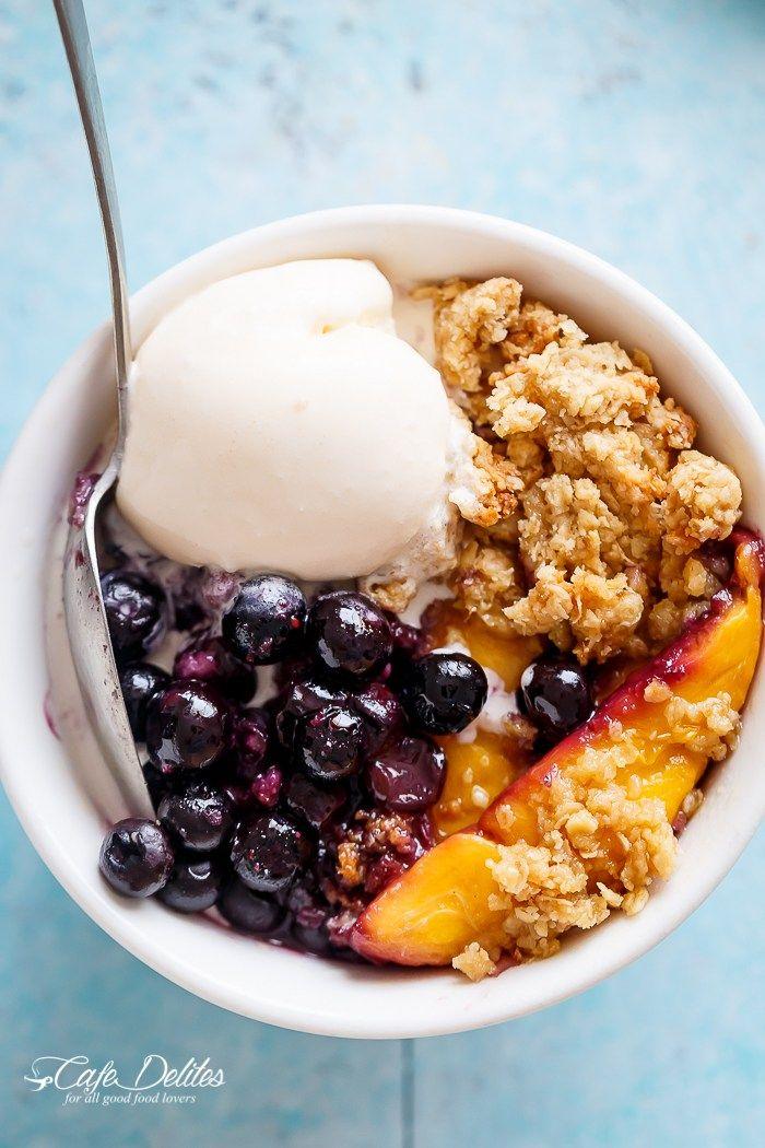 Easy Mango Blueberry Crumble | http://cafedelites.com